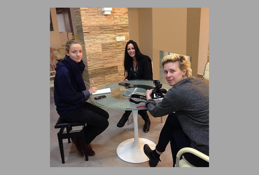 פרויקטים חלי בן דויד בראיון עם בימאיות הסרט Miss Holocaust שהשתתף ב2017 בפסטיבל הסרטים הבינלאומי בברלין בגרמניה. תמונה מהראיון.